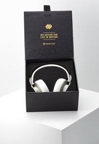 Urbanista - NEW YORK NOISE CANCELLING BLUETOOTH - Headphones - moon walk - 3