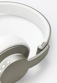 Urbanista - NEW YORK NOISE CANCELLING BLUETOOTH - Headphones - moon walk - 6