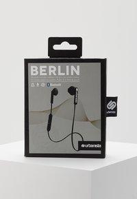 Urbanista - BERLIN BLUETOOTH - Høretelefoner - dark clown black - 3