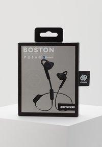 Urbanista - BOSTON SPORT BLUETOOTH - Høretelefoner - dark clown - black - 3