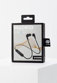 Urbanista - MADRID BLUETOOTH IN-EAR - Høretelefoner - dark clown black - 3