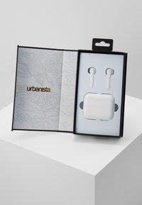 Urbanista - STOCKHOLM TRUE WIRELESS EARPHONES - Headphones - fluffy cloud - 2