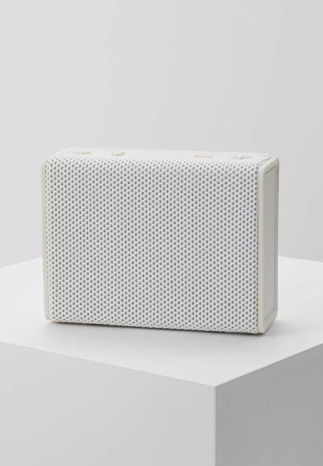 SYDNEY - Speaker - white mist