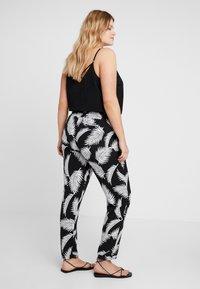Urban Classics Curvy - LADIES ELASTIC WAIST PANTS - Trousers - black - 2