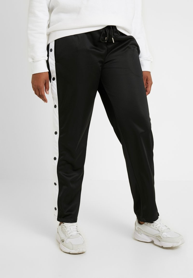 Urban Classics Curvy - LADIES BUTTON UP TRACK PANTS - Pantalones deportivos - black
