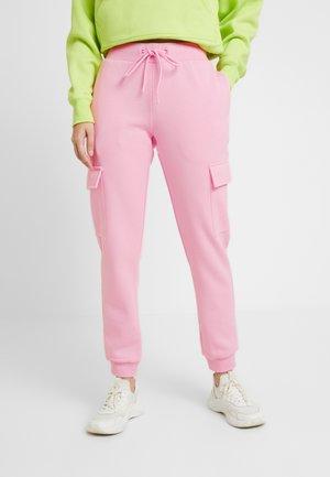 LADIES CARGO PANTS - Joggebukse - pink