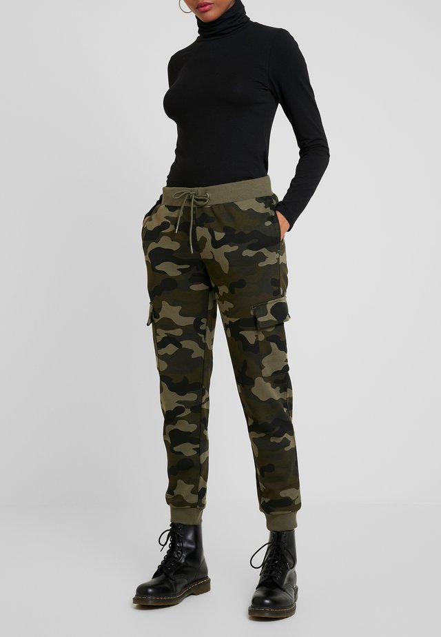LADIES CARGO PANTS - Spodnie treningowe - woodcamo/black