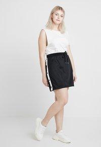 Urban Classics Curvy - LADIES TRACK SKIRT - A-line skirt - black/white - 1