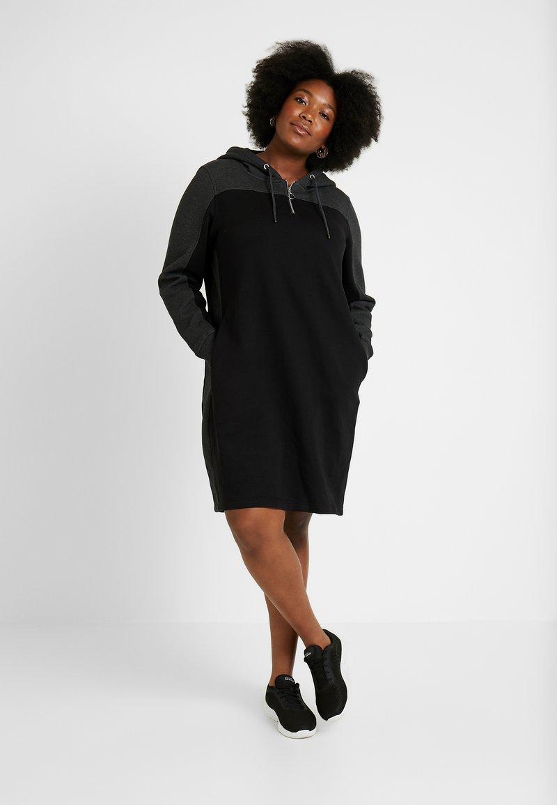 Urban Classics Curvy - LADIES TONE HOODED DRESS - Kjole - black/charcoal