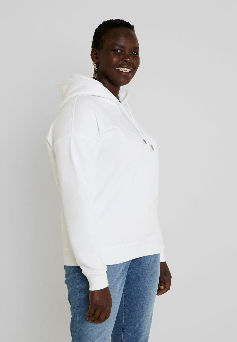Urban Classics Curvy - LADIES HOODY - Bluza z kapturem - white