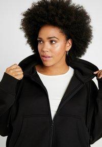 Urban Classics Curvy - LADIES OVERSIZED SHORT RAGLAN ZIP HOODY - veste en sweat zippée - black - 3