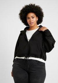 Urban Classics Curvy - LADIES OVERSIZED SHORT RAGLAN ZIP HOODY - veste en sweat zippée - black - 0