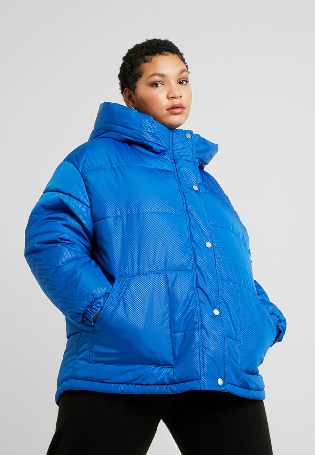 LADIES OVERSIZED HOODED PUFFER - Winter jacket - royal blue