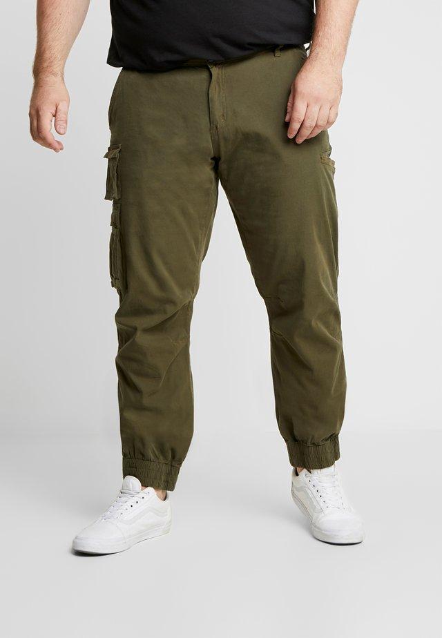 USKARLO PANTS - Pantalon cargo - dark olive