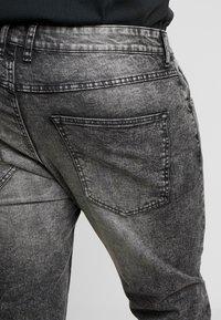URBN SAINT - BERLIN - Slim fit jeans - acid black - 3