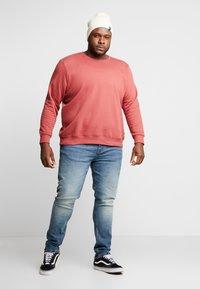 URBN SAINT - USBERLIN - Slim fit jeans - vintage blue - 1