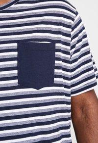 URBN SAINT - MILAN TEE - T-shirt print - navy - 5