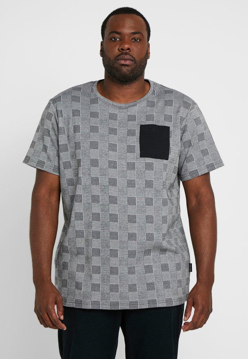 URBN SAINT - DALLAS TEE - Print T-shirt - black