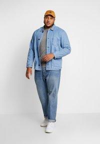 URBN SAINT - USCARLSSON  - Veste en jean - light blue - 1