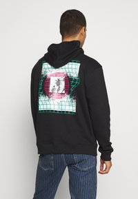 Urban Threads - FRONT BACK GRAPHIC HOODY - Mikina skapucí - black - 2