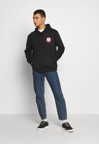 Urban Threads - FRONT BACK GRAPHIC HOODY - Mikina skapucí - black - 1