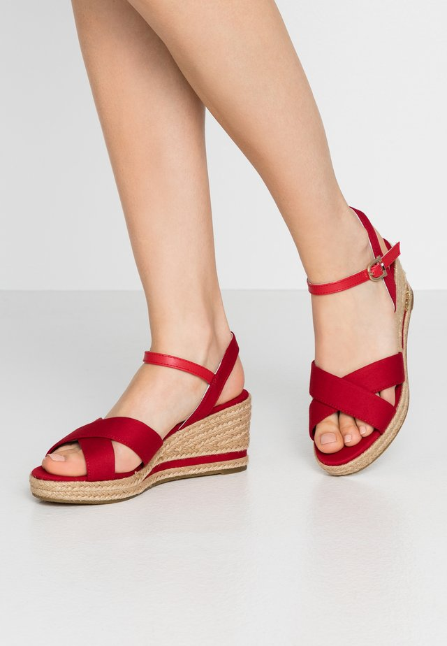 MADELYN ROPE - Espadrillot - red