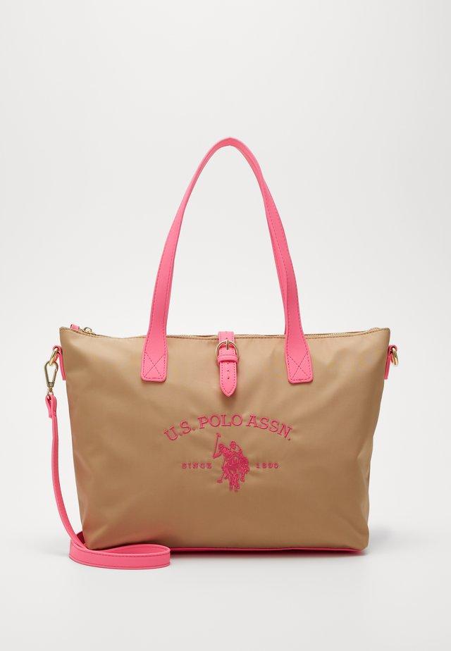 PATTERSON FLUO - Handväska - beige/pink