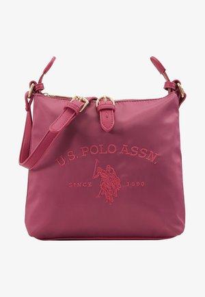 PATTERSON - Across body bag - fuchsia