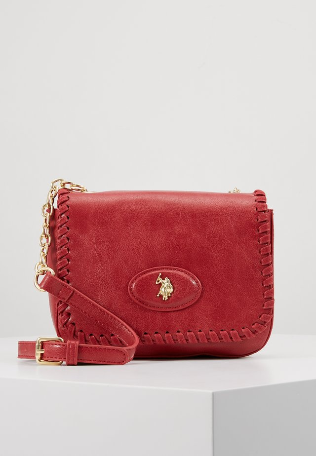 BENTON - Across body bag - red