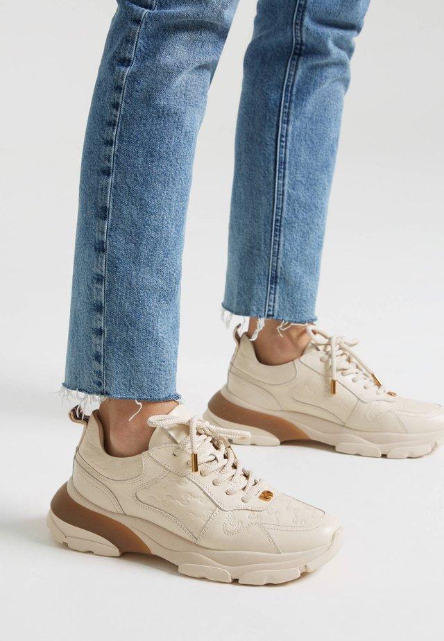 MIT LOGO - Sneakersy niskie - beige