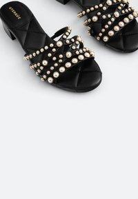 Uterqüe - Sandals - black - 5