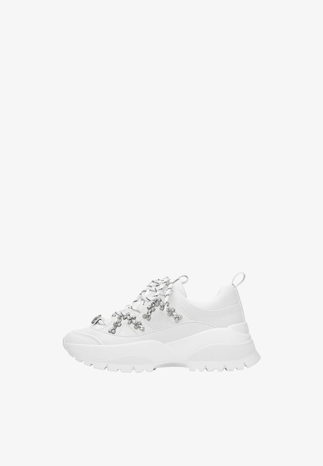 LEDERSNEAKER MIT STRASS 15416580 - Trainers - white