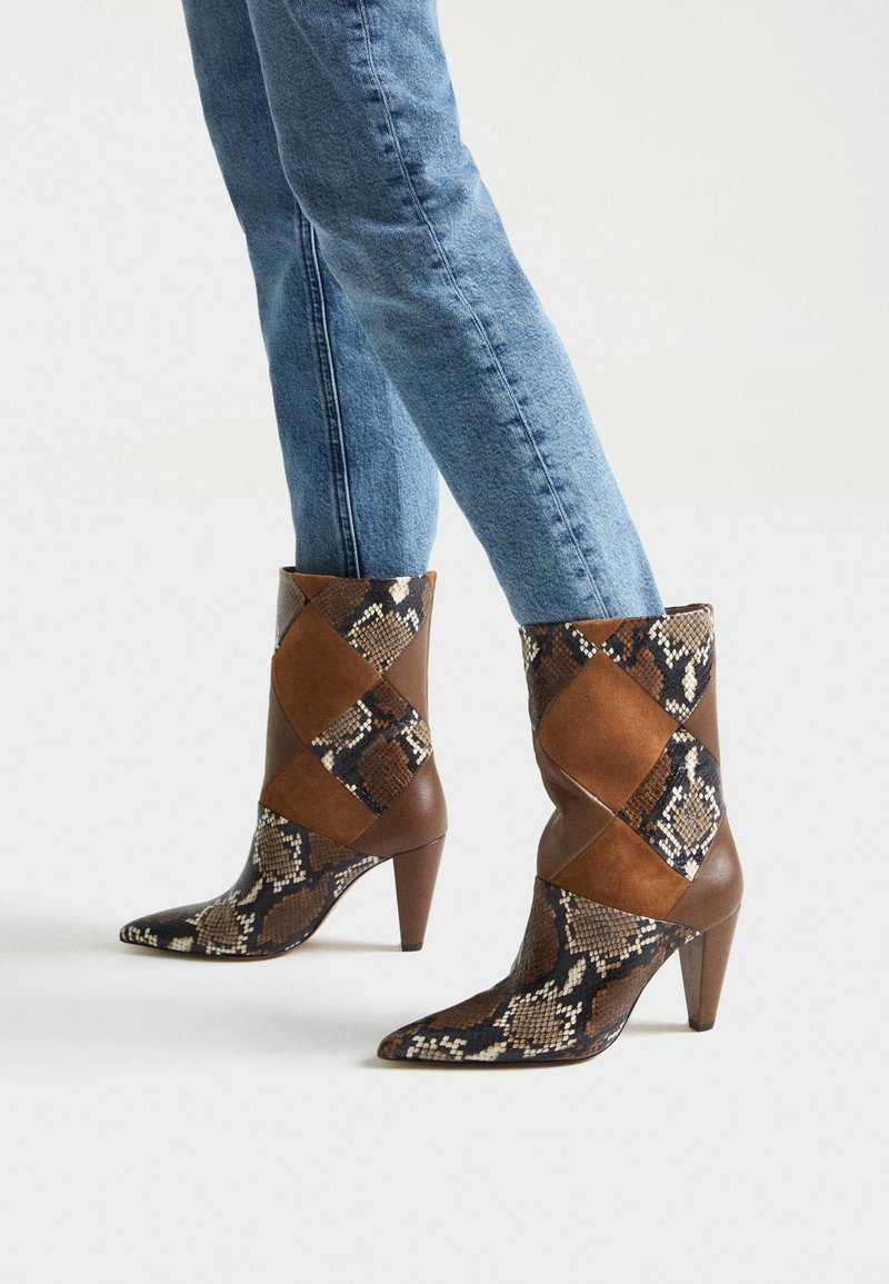 Uterqüe - MIT PRINT - Cowboy/biker ankle boot - brown
