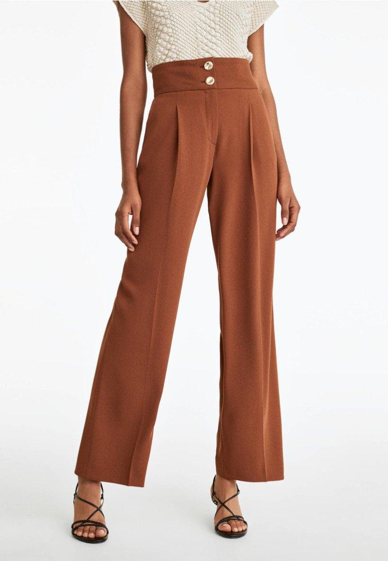 Uterqüe - MIT ZIERKNÖPFEN - Trousers - brown