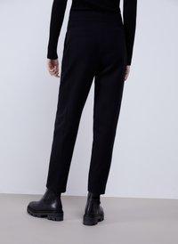 Uterqüe - MIT STEPPNÄHTEN - Trousers - black - 2