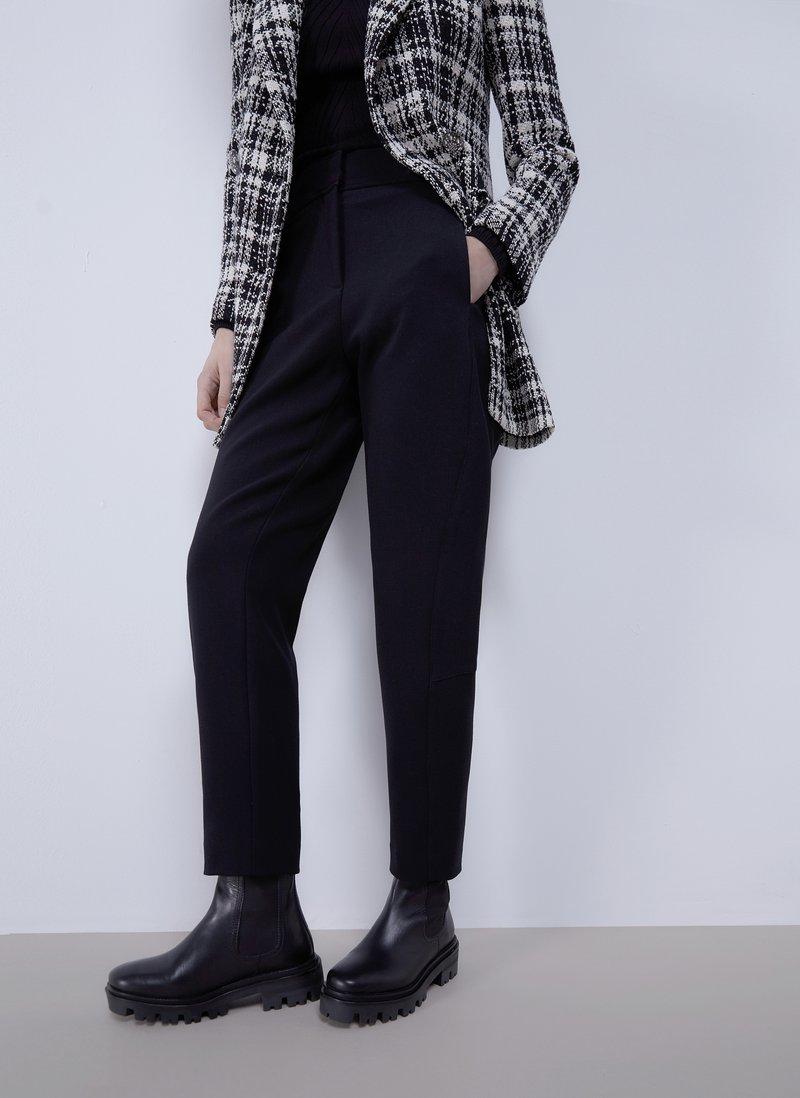 Uterqüe - MIT STEPPNÄHTEN - Trousers - black