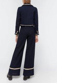 Uterqüe - MIT PASPELN - Trousers - dark blue - 2