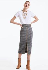 Uterqüe - Pencil skirt - grey - 1