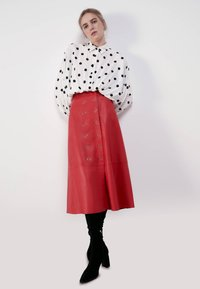 Uterqüe - A-line skirt - red - 1