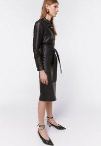 Uterqüe - Pencil skirt - black - 3