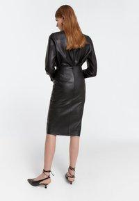 Uterqüe - Pencil skirt - black - 2