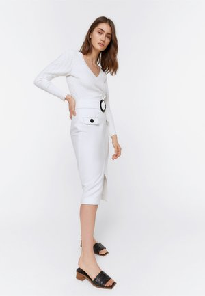 ROCK MIT RUNDER SCHNALLE 00306260 - Pencil skirt - white