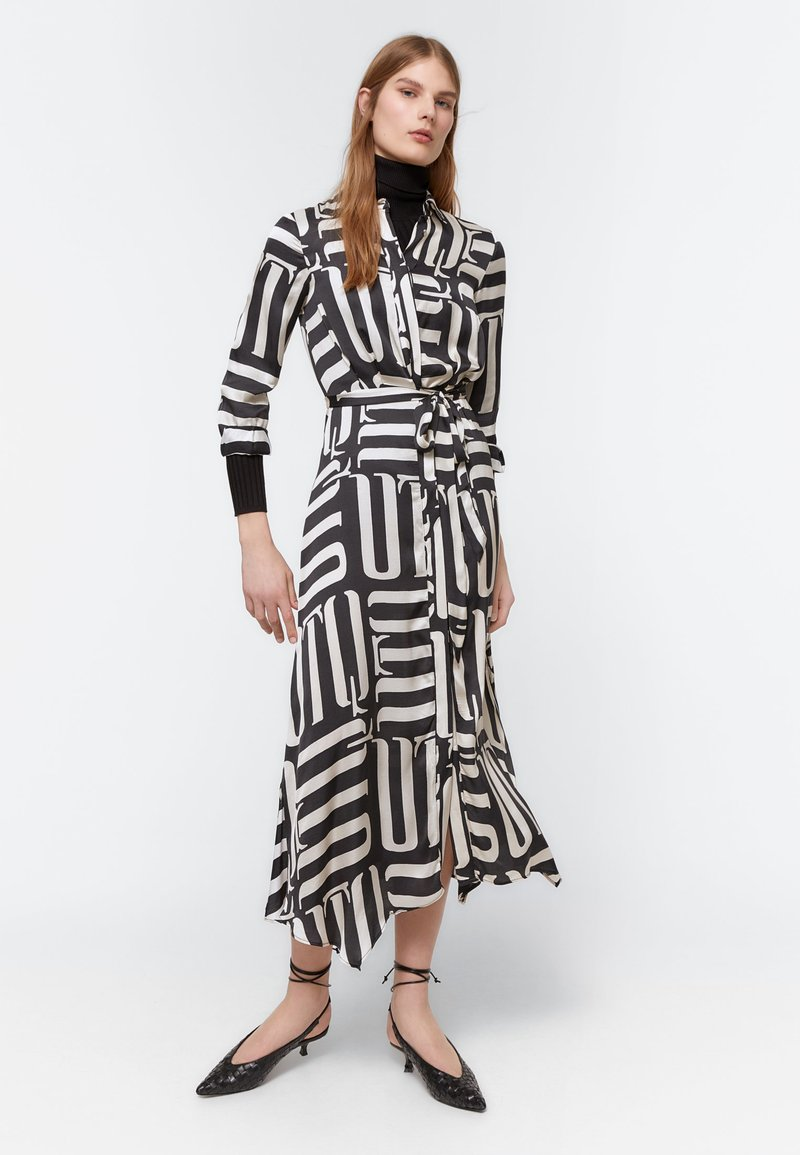 Uterqüe - Maxi šaty - black