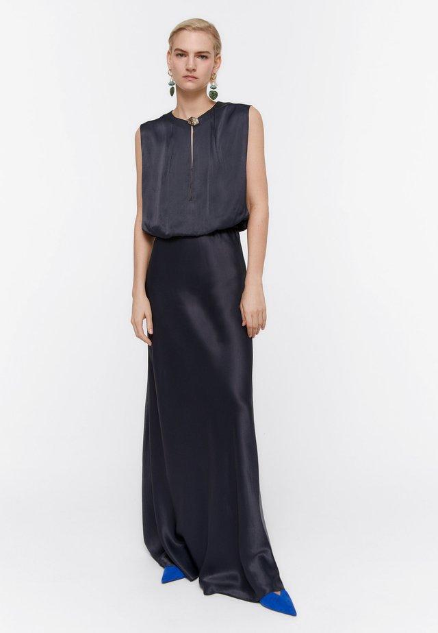 MIT AUSGEFALLENEM KNOPF - Suknia balowa - dark blue
