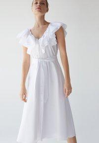 Uterqüe - Sukienka letnia - white - 0