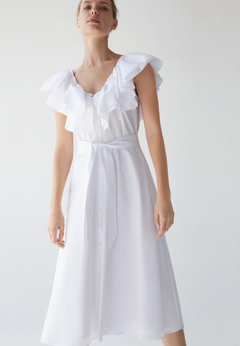 Uterqüe - Sukienka letnia - white