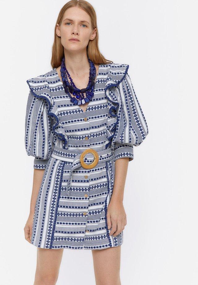 MIT PUFFÄRMELN - Sukienka koszulowa - beige