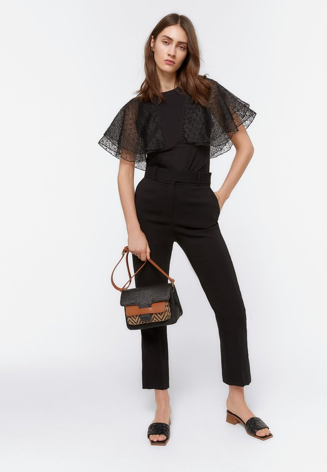 ORGANZA-VOLANTS - Basic T-shirt - black