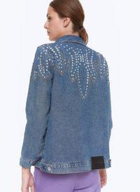Uterqüe - MIT STICKEREIEN - Kurtka jeansowa - blue - 2