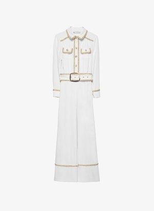 MIT PASPELN UND PERLENKNOPF  - Tuta jumpsuit - white